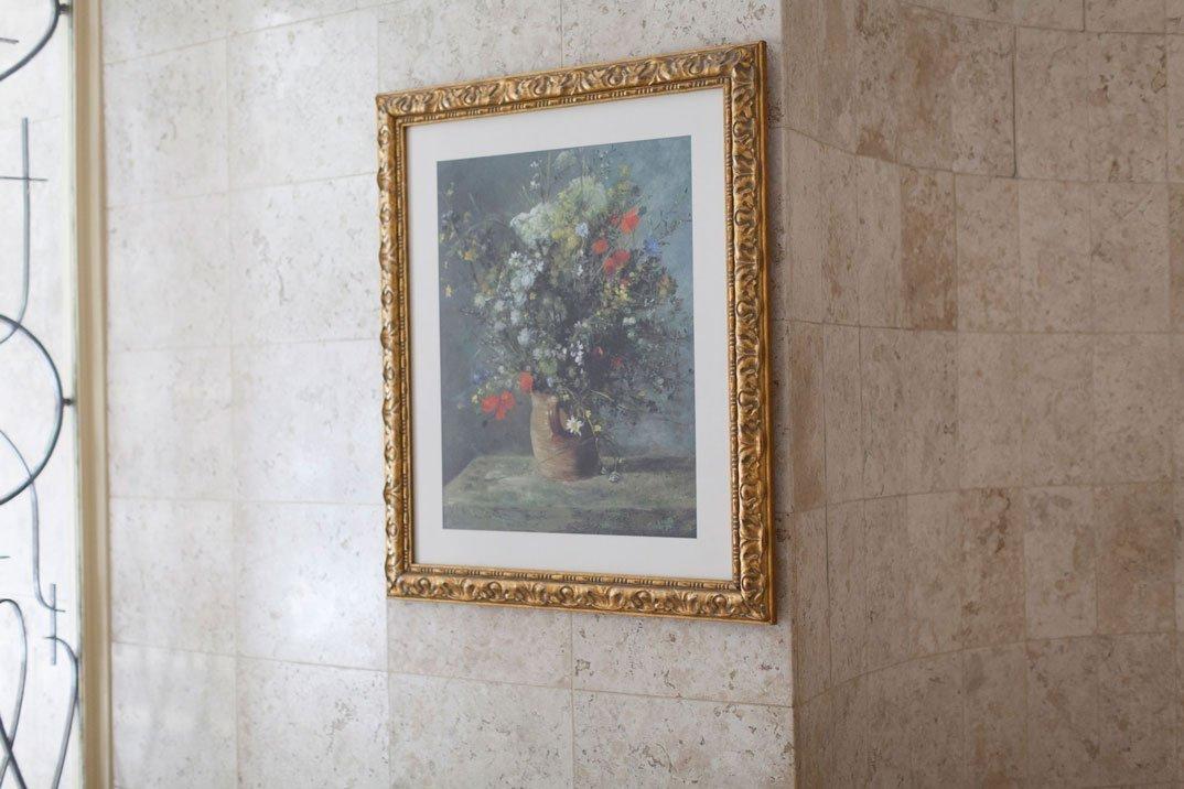Entrada do hall social do bloco Renoir. Vista da reprodução da obra Vaso com Flores, 2016. Fotógrafo: P.Ardid